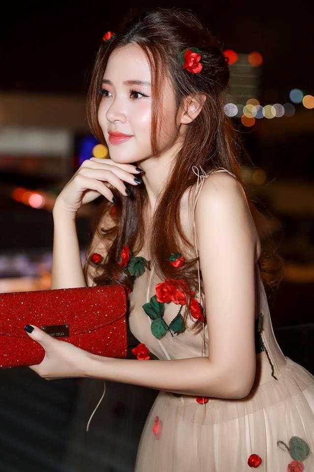 Không hẹn mà gặp, Midu và Nam Em cùng hóa thân thành nàng Xuân yêu kiều trong cùng 1 thiết kế váy hoa  - Ảnh 8.