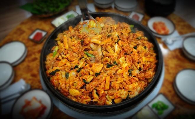 Câu chuyện đằng sau món lườn gà xào cay Dakgalbi, món ăn hấp dẫn nhất ở Chuncheon (Hàn Quốc) - ảnh 6