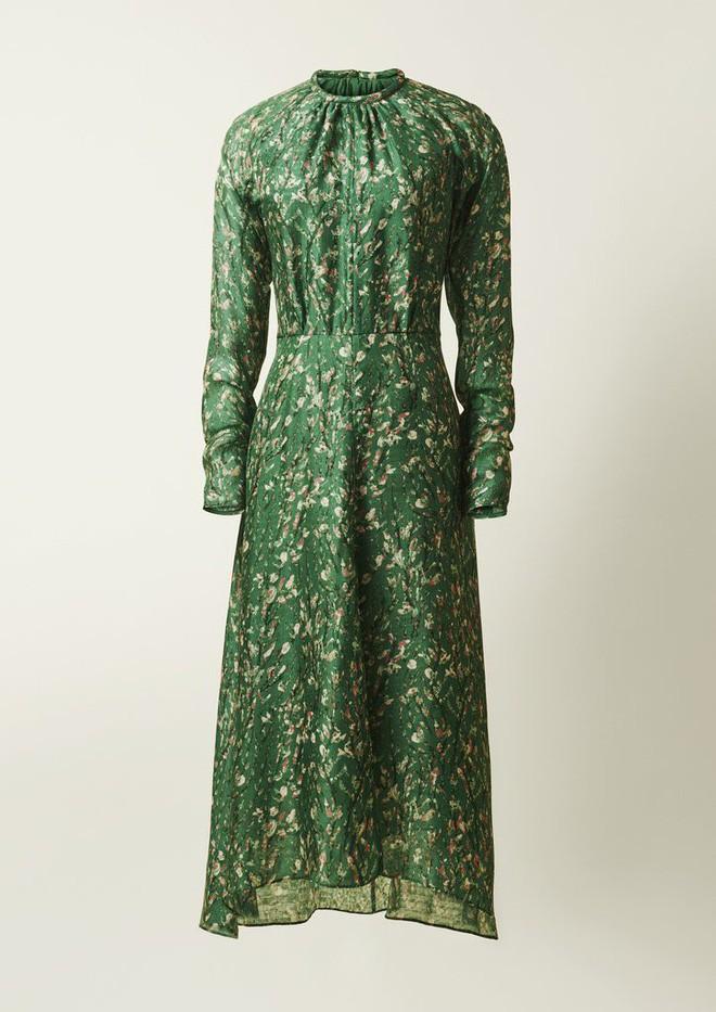 Bạn không nhầm đâu, H&M thực sự đã thiết kế váy cưới từ lưới đánh cá và đồ tái chế! - Ảnh 6.