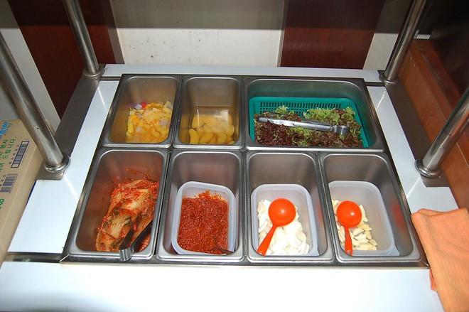 Câu chuyện đằng sau món lườn gà xào cay Dakgalbi, món ăn hấp dẫn nhất ở Chuncheon (Hàn Quốc) - ảnh 7
