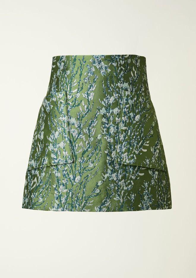 Bạn không nhầm đâu, H&M thực sự đã thiết kế váy cưới từ lưới đánh cá và đồ tái chế! - Ảnh 10.
