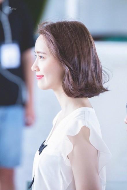 Xinh đẹp là thế, nhưng vì nhược điểm này mà Yoona nên tránh xa những kiểu váy ngắn - Ảnh 3.