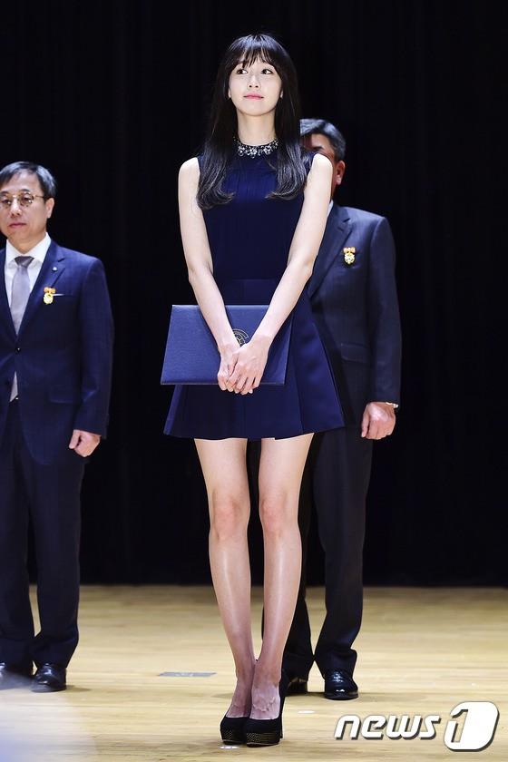 Xinh đẹp là thế, nhưng vì nhược điểm này mà Yoona nên tránh xa những kiểu váy ngắn - Ảnh 7.