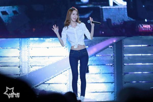 Xinh đẹp là thế, nhưng vì nhược điểm này mà Yoona nên tránh xa những kiểu váy ngắn - Ảnh 8.