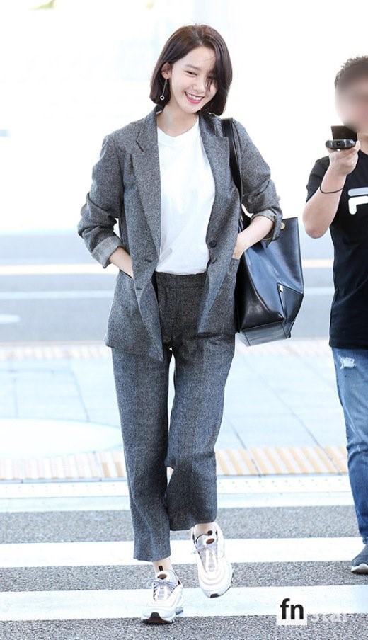 Xinh đẹp là thế, nhưng vì nhược điểm này mà Yoona nên tránh xa những kiểu váy ngắn - Ảnh 11.