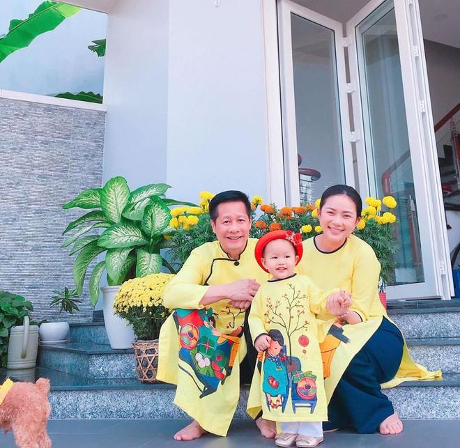 Chẳng riêng gì sao Việt, các nhóc tỳ nhà sao cũng xúng xính áo dài đón Xuân mới - Ảnh 6.