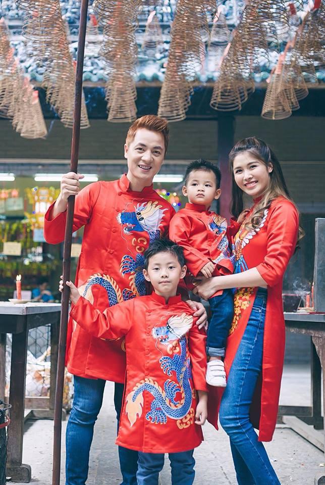 Chẳng riêng gì sao Việt, các nhóc tỳ nhà sao cũng xúng xính áo dài đón Xuân mới - Ảnh 9.
