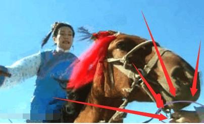 Phát lại sau 20 năm, Hoàn Châu cách cách bị khán giả soi ra nhiều sạn phim gây cười - Ảnh 7.