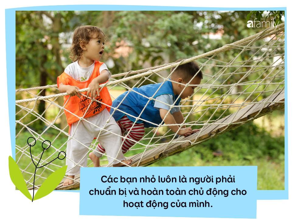 """Trường mẫu giáo lạ lùng giữa Sài Gòn: không có lớp học để trẻ thỏa sức """"dầm mưa dãi nắng"""" cả ngày - Ảnh 9."""