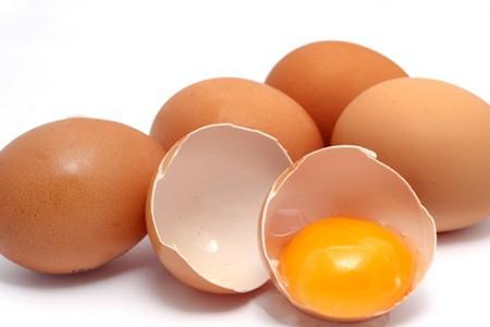 Những thực phẩm tuyệt đối không cho trẻ dưới 3 tuổi ăn - Ảnh 2.