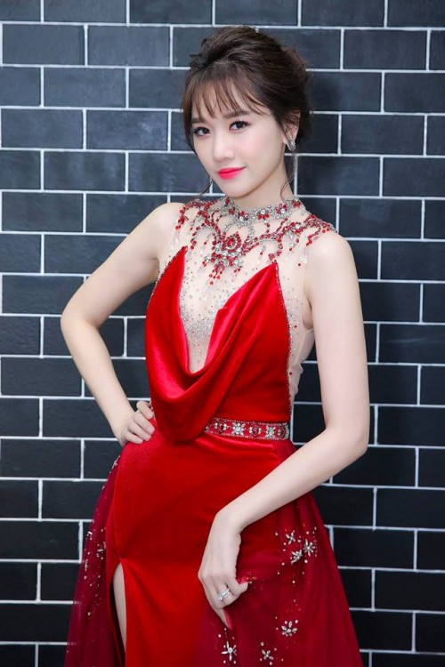 Bí quyết trang điểm 'không tuổi' của bà xã Trấn Thành ở đời thường và trên thảm đỏ - Ảnh 13.