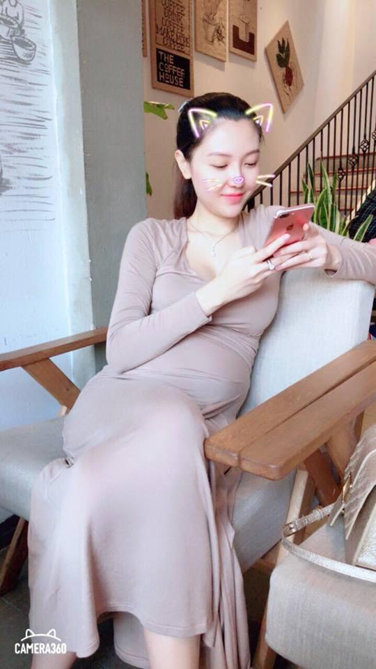 4 mẹ bầu mới của showbiz Việt 2018: người nhẹ nhàng đơn giản, người vòng 2 vượt mặt mà vẫn sexy - Ảnh 19.