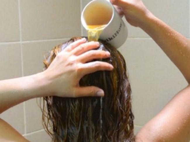 Chẳng cần tốn tiền mua dầu gội xả, chị em cứ thủ sẵn chai này để dùng sẽ có mái tóc đẹp bồng bềnh như ý - Ảnh 5.