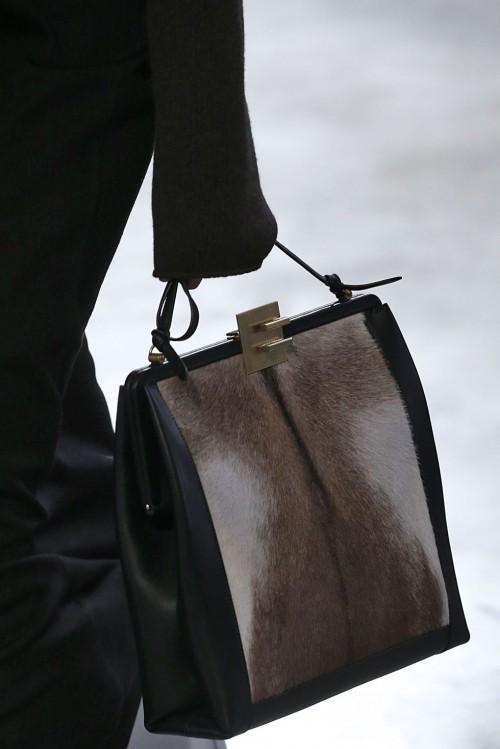 Loạt túi xách tại London Fashion Week hứa hẹn sẽ gây sốt đầu năm 2018 - Ảnh 12.