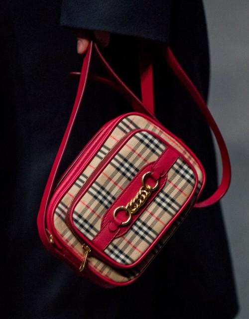 Loạt túi xách tại London Fashion Week hứa hẹn sẽ gây sốt đầu năm 2018 - Ảnh 18.