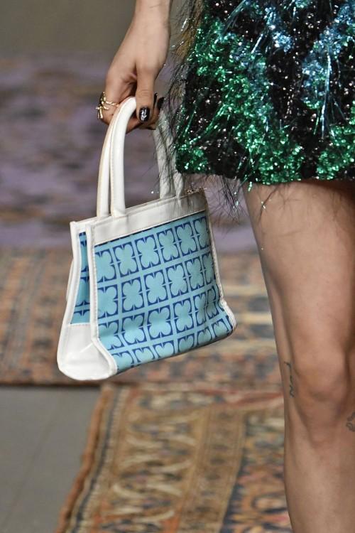 Loạt túi xách tại London Fashion Week hứa hẹn sẽ gây sốt đầu năm 2018 - Ảnh 20.