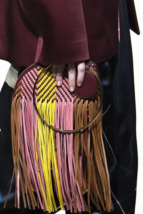 Loạt túi xách tại London Fashion Week hứa hẹn sẽ gây sốt đầu năm 2018 - Ảnh 5.