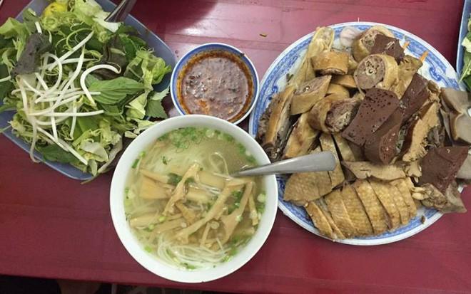 Sài Gòn có những quán ăn khiến khách chóng mặt vì tốc độ bán hàng, không nhanh sẽ nhận ngay vé chúc may mắn lần sau - Ảnh 7.