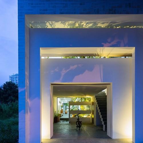Ngôi nhà có kiến trúc của văn hóa hai miền Nam Bắc - Ảnh 10.