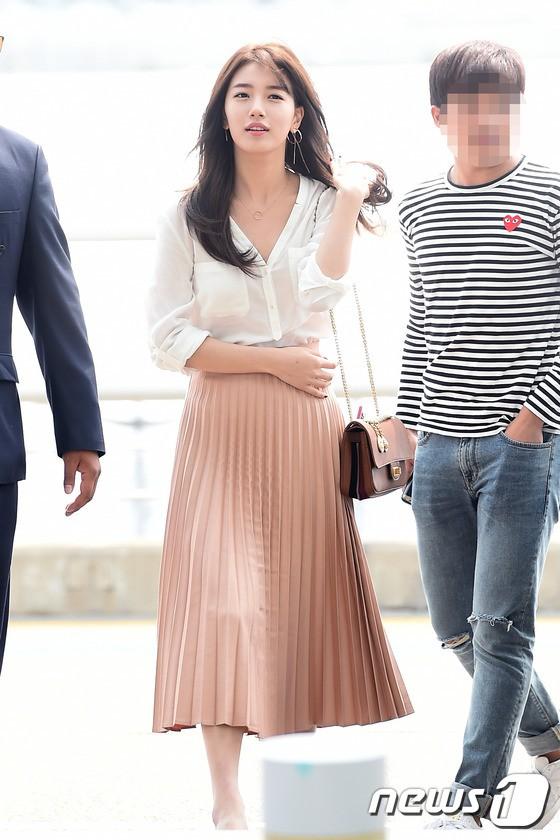 Showbiz Hàn cũng có 4 quý cô tuổi Tuất thần thái sang chảnh và mặc đẹp miễn chê - Ảnh 12.