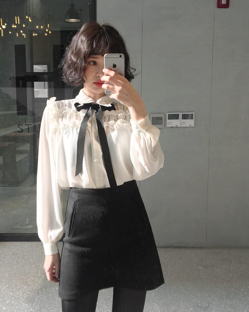 Bạn có biết? Sao Hàn đang lăng xê mẫu áo nào không?