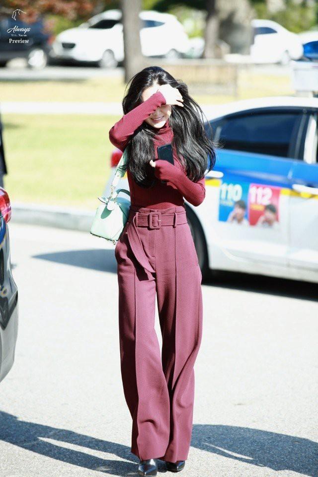 Showbiz Hàn cũng có 4 quý cô tuổi Tuất thần thái sang chảnh và mặc đẹp miễn chê - Ảnh 19.
