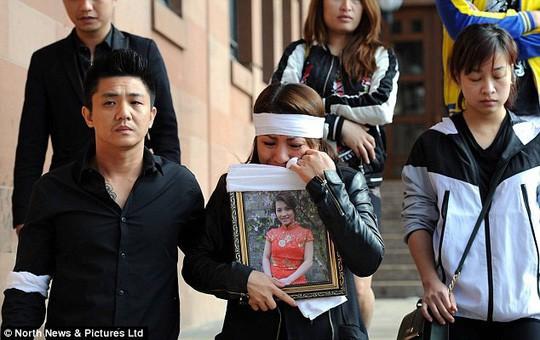 Vụ cô gái Việt bị thiêu sống ở Anh: Hé lộ tin nhắn sa đọa của nghi phạm - Ảnh 1.