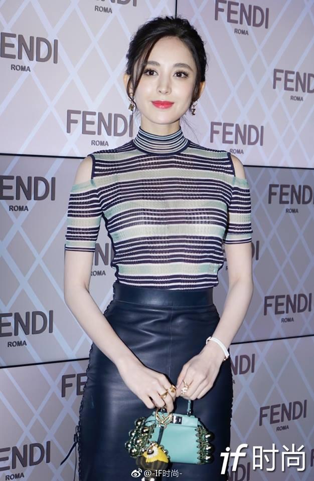 Kim Hee Sun lộ mặt bóng dầu, trong khi Cổ lực Na Trát thần thái ngút ngàn tại show thời trang Fendi  - Ảnh 10.