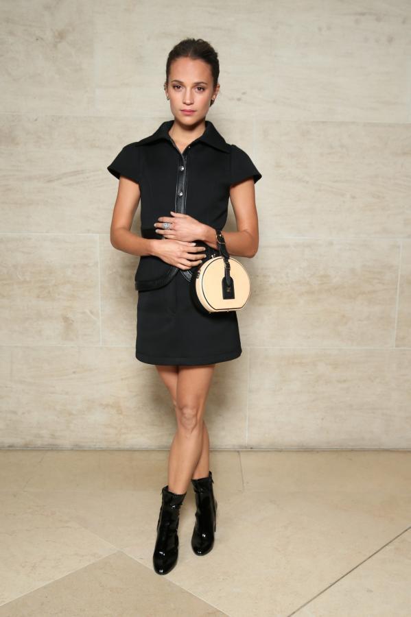 LV Petite Boite Chapeau - chiếc túi có gì đặc biệt mà khiến các tín đồ thời trang thi nhau đụng hàng - Ảnh 20.