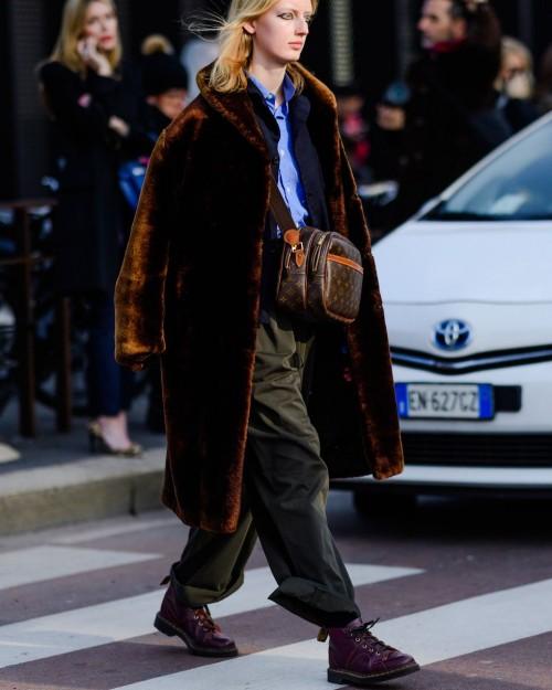 Street style đầy màu sắc của các tín đồ thời trang tại Milan Fashion Week Fall 2018 - Ảnh 17.