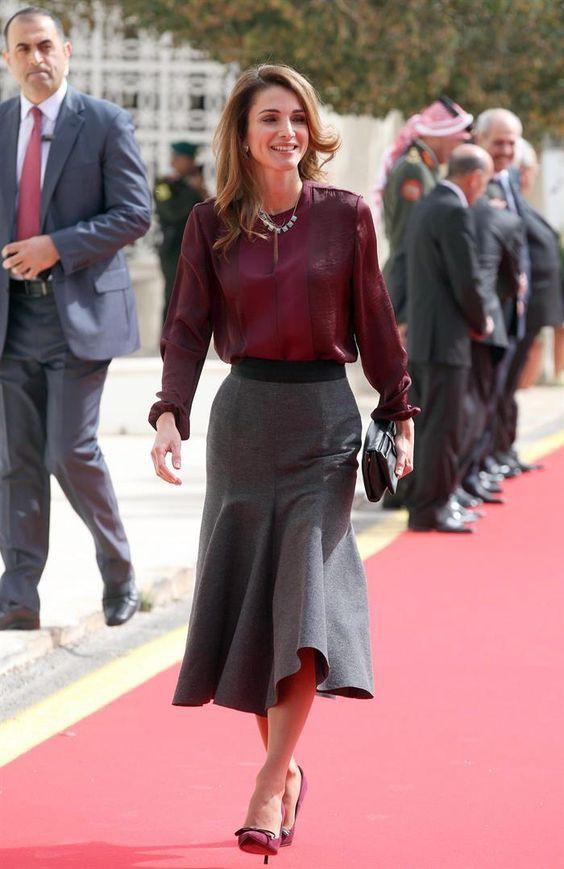 Ngoài Công nương Kate, còn có Hoàng hậu Rania của Vương quốc Jordan vừa xinh lại vừa mặc đẹp miễn chê - Ảnh 4.