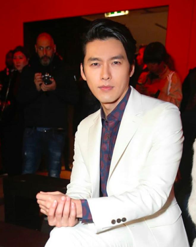 Hyun Bin thần thái ngút trời trên ghế đầu show thời trang tại Milan Fashion Week - Ảnh 2.
