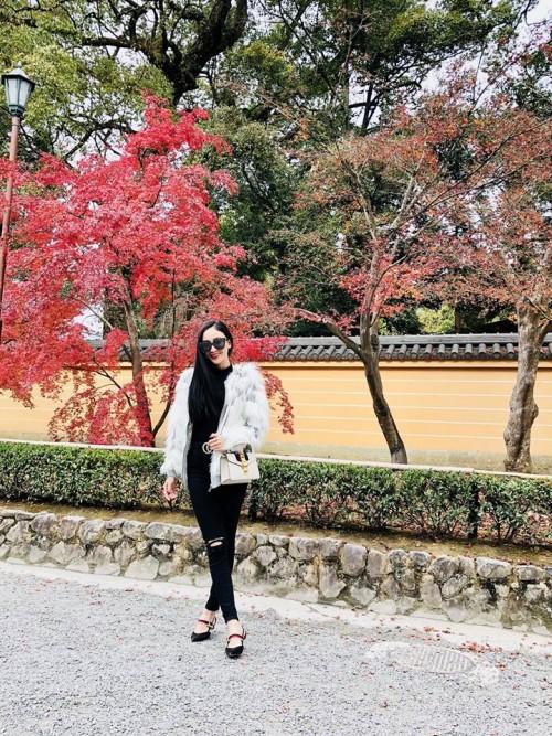 'Thánh đụng hàng' Hà Thu khoe street style lạ lẫm với kimono ở Nhật Bản - Ảnh 7.
