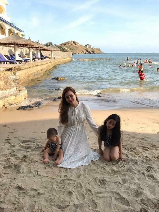 Lộ ảnh cận cảnh hiếm hỏi của con gái thứ hai nhà Lưu Hương Giang - Hồ Hoài Anh - Ảnh 2.