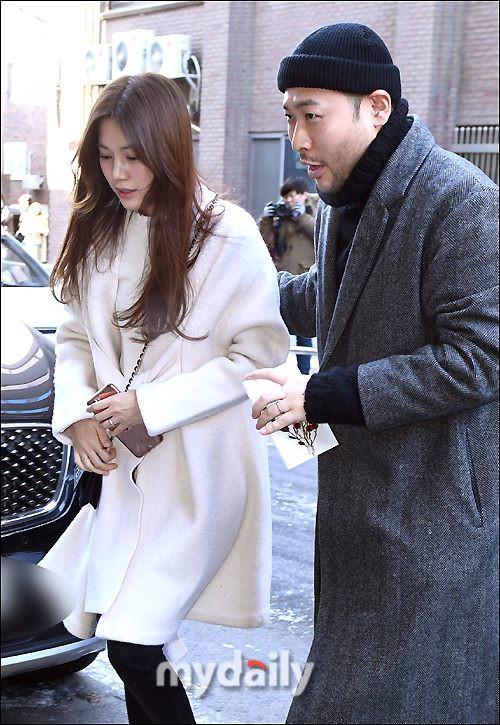 Sự kiện có 1-0-2 của giải trí xứ Hàn đầu năm 2018: Đám cưới Taeyang (Bigbang) mà như lễ trao giải cuối năm - Ảnh 3.
