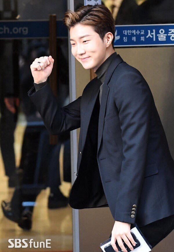 Sự kiện có 1-0-2 của giải trí xứ Hàn đầu năm 2018: Đám cưới Taeyang (Bigbang) mà như lễ trao giải cuối năm - Ảnh 17.