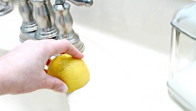 Sau 7 bước nhanh-gọn-lẹ là nhà vệ sinh nhà bạn đã sạch không tì vết - Ảnh 3.