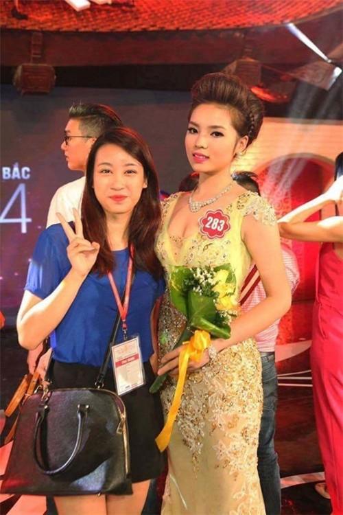 'Người đẹp vì lụa' quả không sai! Đỗ Mỹ Linh trở thành biểu tượng thời trang Việt nhờ loạt váy áo này - Ảnh 1.