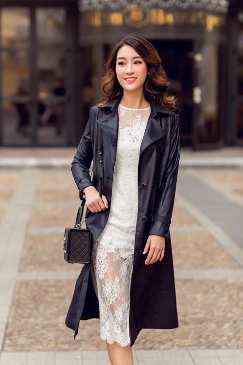 'Người đẹp vì lụa' quả không sai! Đỗ Mỹ Linh trở thành biểu tượng thời trang Việt nhờ loạt váy áo này - Ảnh 18.