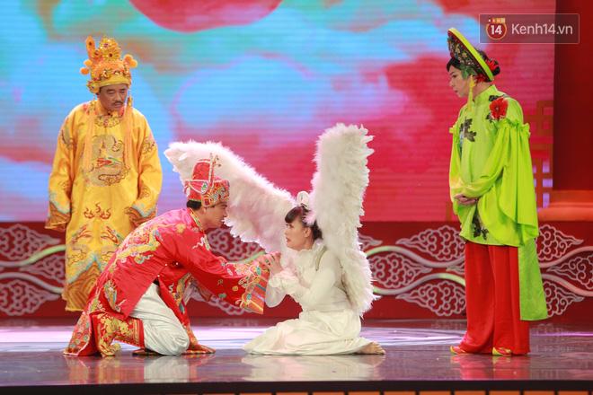 Chùm ảnh đẹp: Cận cảnh dàn nghệ sĩ trên sân khấu hoành tráng của Táo Quân 2018 - Ảnh 7.