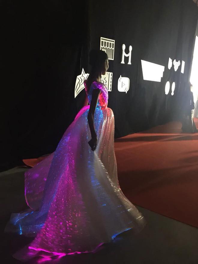 Còn chờ mong gì nữa, đây chính là những bộ cánh đẹp mắt nhất thảm đỏ WeChoice Awards 2017! - Ảnh 3.