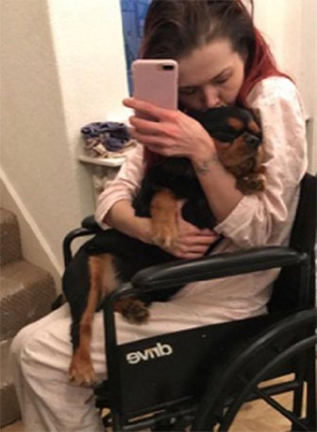 Sau khi đi nghỉ cùng gia đình, cô gái trẻ tê liệt toàn thân chỉ vì một rủi ro mà ai cũng có thể mắc phải - Ảnh 6.