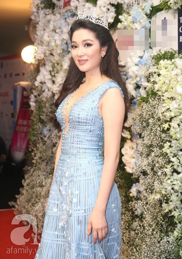 Tái xuất sau 13 năm đăng quang, có ai nhận ra Hoa hậu Nguyễn Thị Huyền với chiếc cằm dài khác lạ này - Ảnh 13.