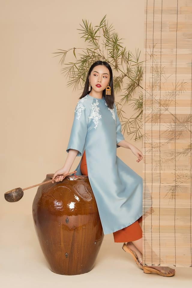 2 công thức diện áo dài cách tân đẹp miễn chê trong Tết này - Ảnh 2.