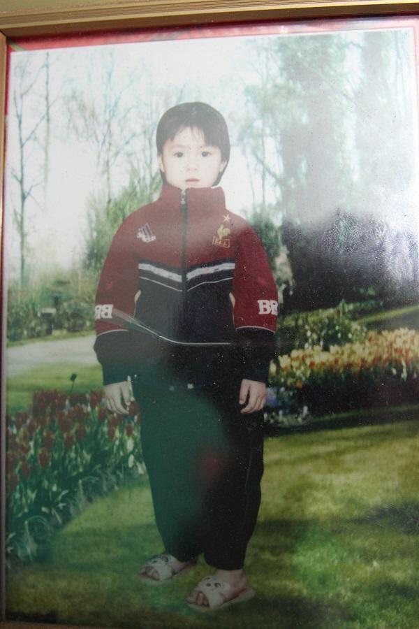 Hình ảnh hồi bé của cầu thủ U23 khiến HLV Park Hang Seo đau đầu trên sân khấu giao lưu - Ảnh 12.