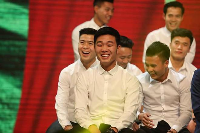 Hình ảnh hồi bé của cầu thủ U23 khiến HLV Park Hang Seo đau đầu trên sân khấu giao lưu - Ảnh 14.