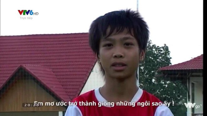 Hình ảnh hồi bé của cầu thủ U23 khiến HLV Park Hang Seo đau đầu trên sân khấu giao lưu - Ảnh 7.
