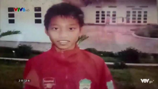 Hình ảnh hồi bé của cầu thủ U23 khiến HLV Park Hang Seo đau đầu trên sân khấu giao lưu - Ảnh 10.