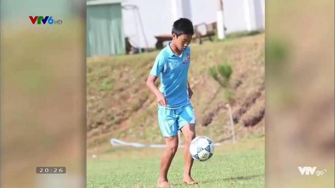 Hình ảnh hồi bé của cầu thủ U23 khiến HLV Park Hang Seo đau đầu trên sân khấu giao lưu - Ảnh 11.