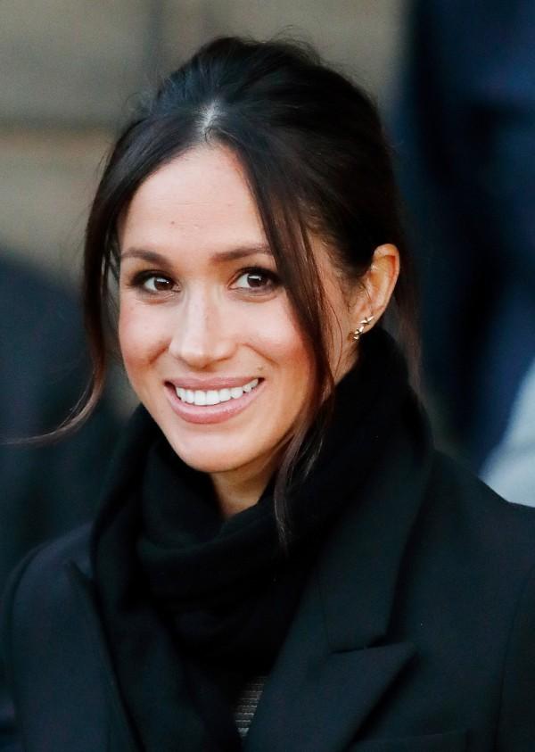 Bí quyết làm đẹp của hôn thê Hoàng tử Anh: Dùng bàn chải đánh răng thay thế lược chải tóc - Ảnh 2.